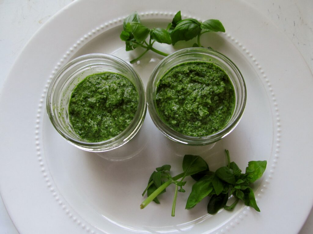 how to make homemade pesto, There's Sugar in My Tea, Charlotte nc food bloggers