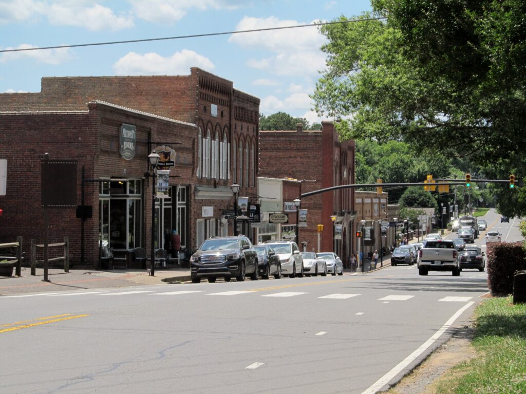 The Burbs Blog Series: Waxhaw, NC, There's Sugar in My Tea, Charlotte NC lifestyle blogs