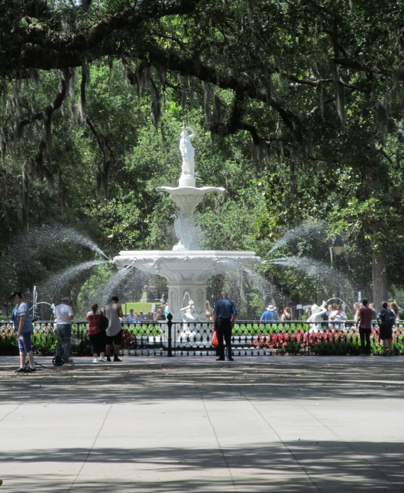 Savannah's Forsyth Park, there's sugar in my tea, charlotte nc lifestyle bloggers, nc blogs