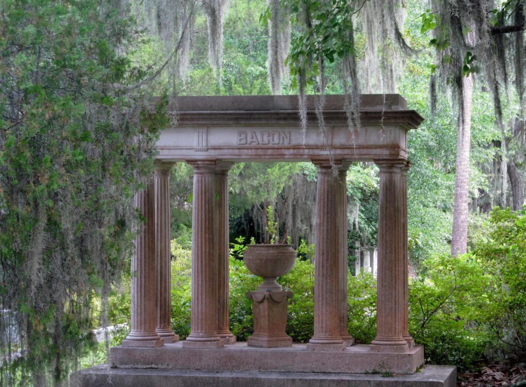 visit savannah's bonaventure cemetery, savannah ga, charlotte nc lifestyle blogger, there's sugar in my tea, nc blogs
